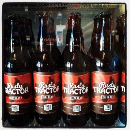 fernie_rustytractor_bottles