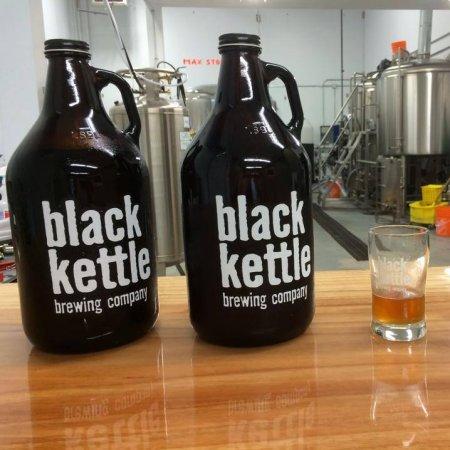 blackkettle_growlersandglasses