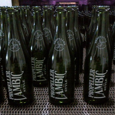 propeller_lambic_bottles