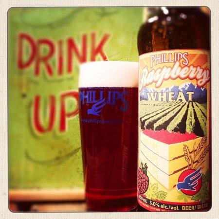 phillips_raspberrywheat_bottleandglass