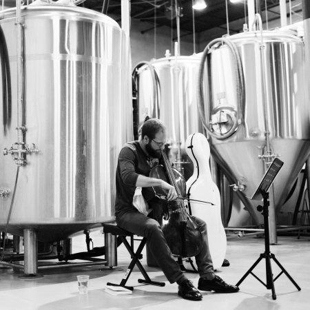 "Cellist Steuart Pincombe Bringing ""Bach & Beer"" Concert to Toronto's Rainhard Brewing"