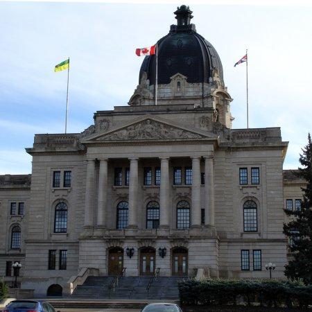 Saskatchewan Government Removes Interprovincial Alcohol Importation Limits for Individuals